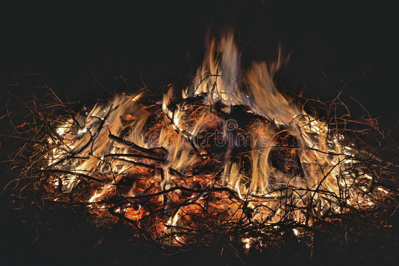 Φλεγόμενη φωτιά στοκ εικόνα