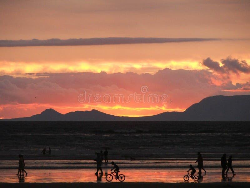 Φλεμένος ηλιοβασίλεμα στοκ φωτογραφία με δικαίωμα ελεύθερης χρήσης