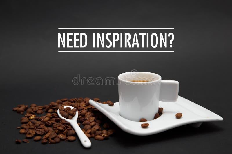 Φλιτζάνι του καφέ με την ΕΜΠΝΕΥΣΗ ΑΝΑΓΚΗΣ κειμένων στοκ εικόνα με δικαίωμα ελεύθερης χρήσης