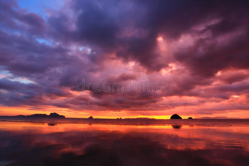 φλογερός ουρανός στοκ εικόνες