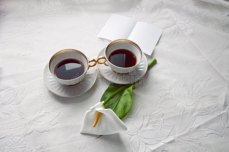 Φλυτζάνια με ένα τσάι στον πίνακα, στοκ φωτογραφίες με δικαίωμα ελεύθερης χρήσης
