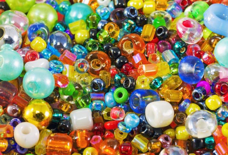 χάντρες που χρωματίζοντα&iot στοκ εικόνες