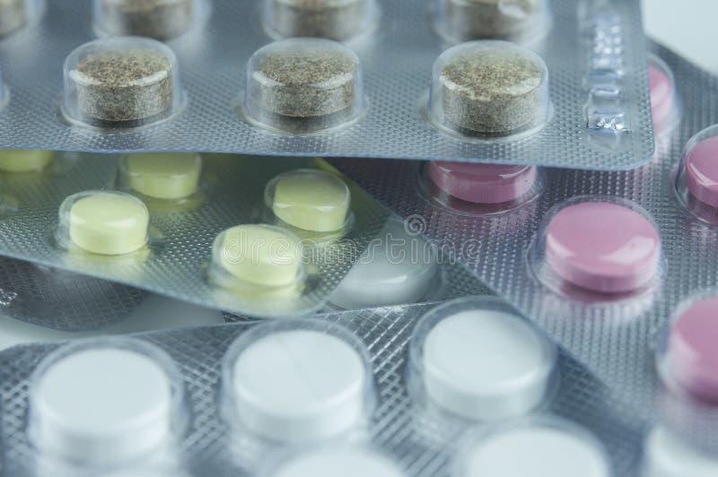 Χάπια σε ένα πακέτο φουσκαλών στοκ εικόνες