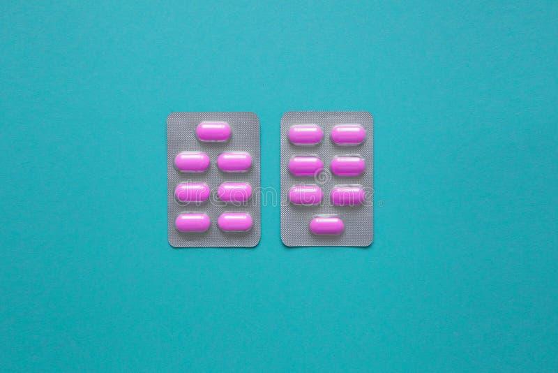 Χάπια στο πακέτο φουσκαλών στοκ εικόνες