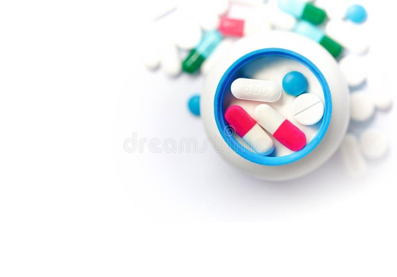 Χάπια των διάφορων χρωμάτων στοκ εικόνες με δικαίωμα ελεύθερης χρήσης