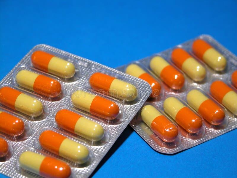 Download χάπια στοκ εικόνες. εικόνα από κρύα, nutrient, οδηγίες - 108414