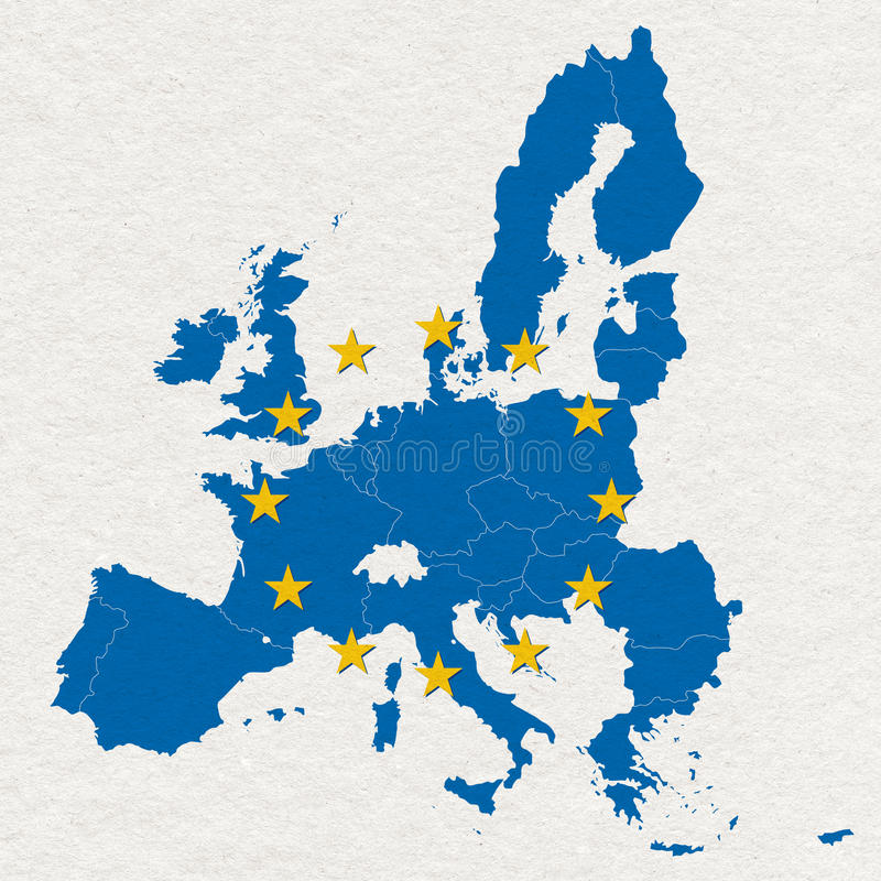 Χάρτης και σημαία της Ευρωπαϊκής Ένωσης στην άσπρη χειροποίητη σύσταση εγγράφου στοκ εικόνα με δικαίωμα ελεύθερης χρήσης