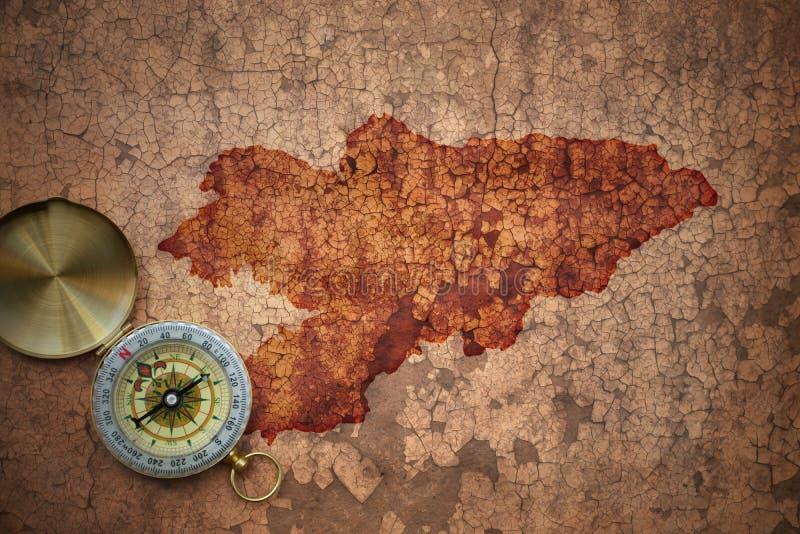 Χάρτης του Κιργιζιστάν σε παλαιό εκλεκτής ποιότητας χαρτί ρωγμών στοκ φωτογραφία με δικαίωμα ελεύθερης χρήσης