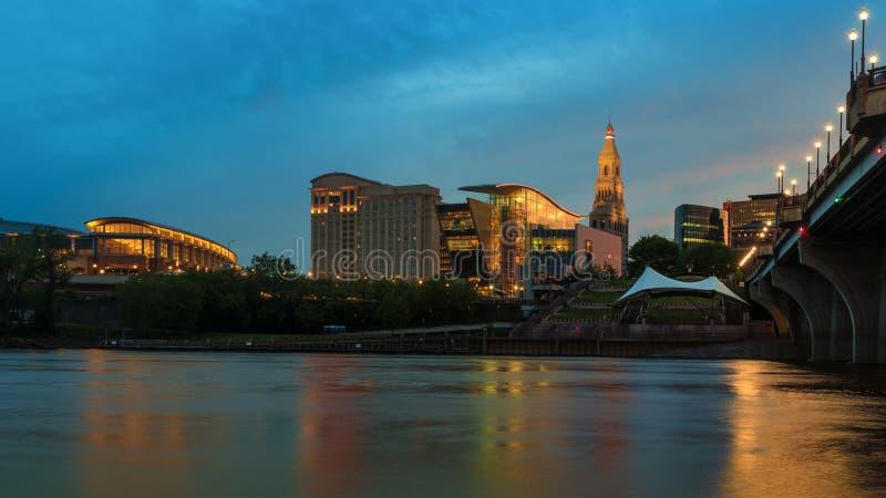 Χάρτφορντ Κοννέκτικατ στην όμορφα εικονική παράσταση πόλης και το ηλιοβασίλεμα σούρουπου στοκ φωτογραφία με δικαίωμα ελεύθερης χρήσης