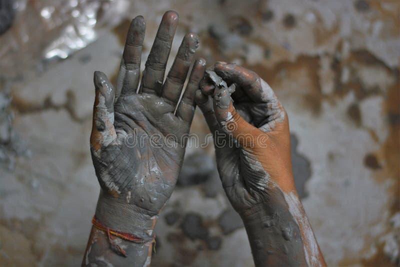 Χέρια ενός χειροτεχνικού - 5 στοκ εικόνα