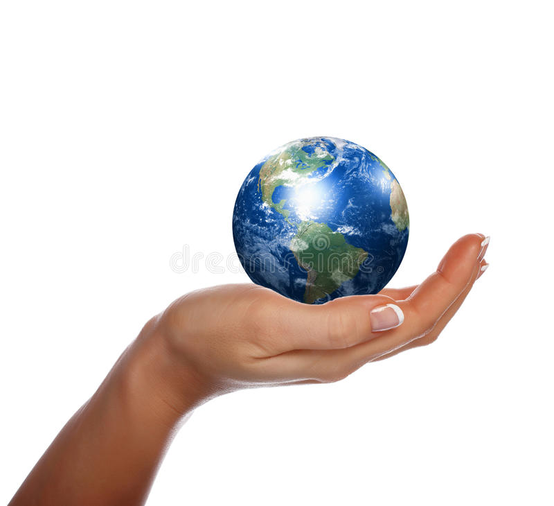 Χέρια, ο νεαρός βλαστός και η γη στοκ φωτογραφία με δικαίωμα ελεύθερης χρήσης