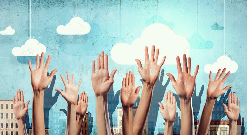 Χέρια που παρουσιάζουν χειρονομίες Μικτά μέσα στοκ φωτογραφίες