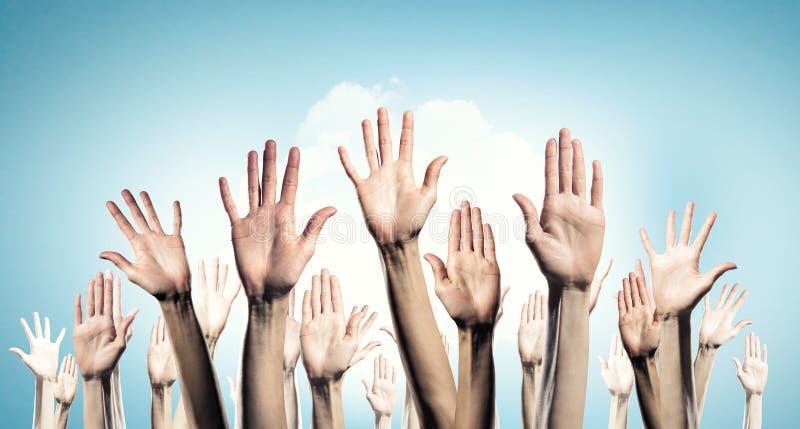 Χέρια που παρουσιάζουν χειρονομίες στοκ φωτογραφίες