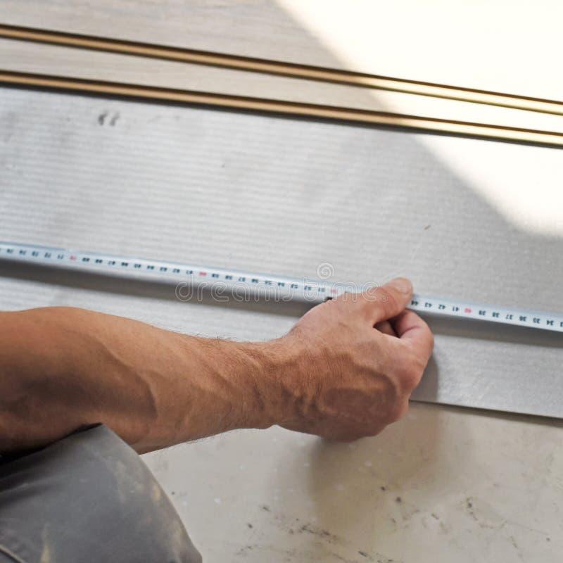 Χέρια του ξυλουργού στοκ φωτογραφίες