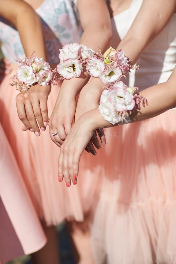 Χέρια των παράνυμφων στοκ φωτογραφία με δικαίωμα ελεύθερης χρήσης