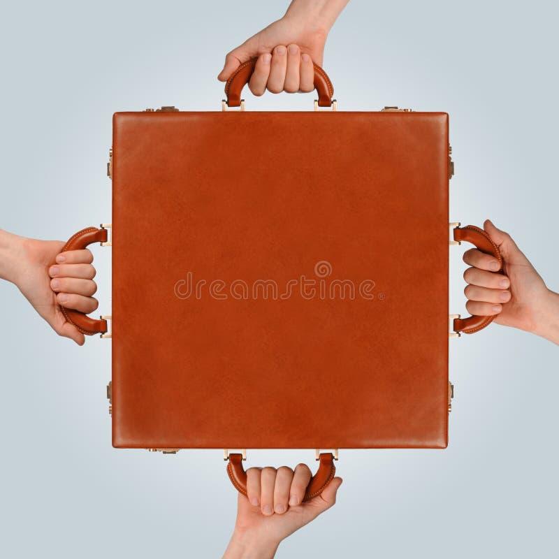 Χέρια χαρτοφυλάκων στοκ εικόνες