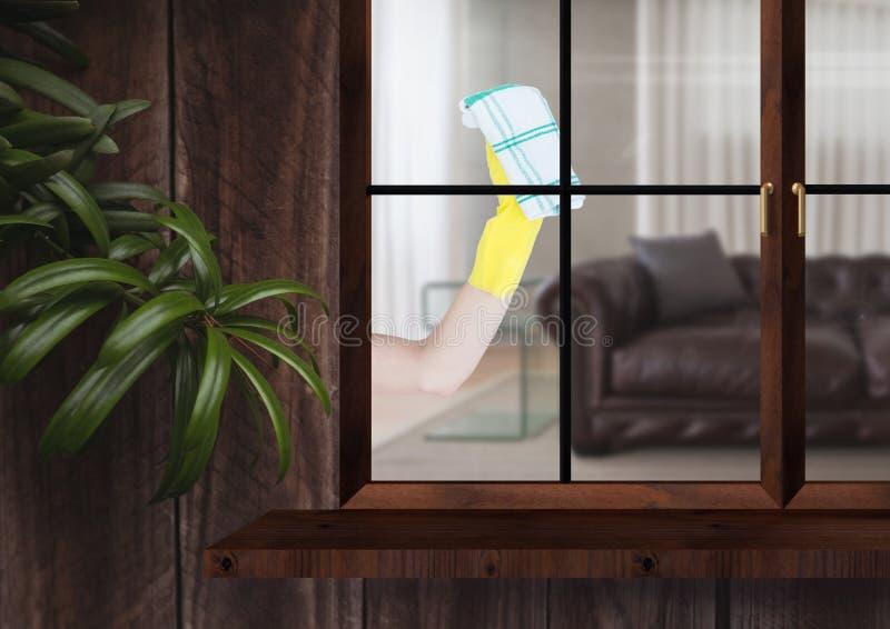 χέρι με το ύφασμα που καθαρίζει το παράθυρο του ξύλινου σπιτιού στοκ φωτογραφίες με δικαίωμα ελεύθερης χρήσης