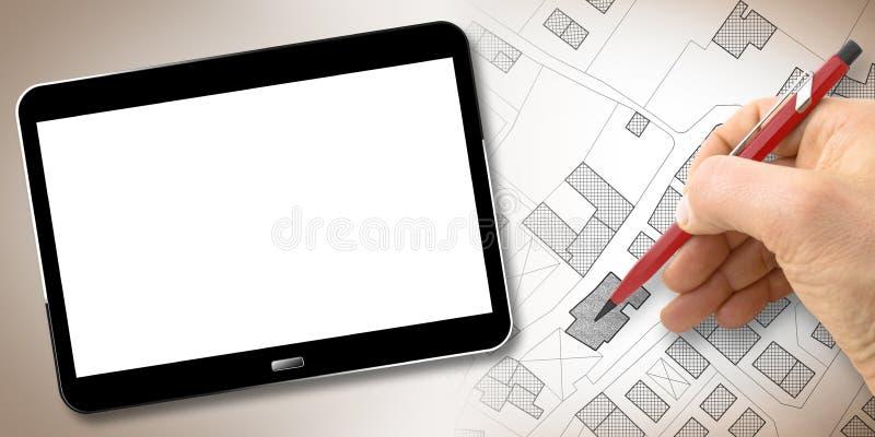 Χέρι που σχεδιάζει έναν φανταστικό κτηματολογικό χάρτη του εδάφους με τα κτήρια, τους τομείς, τους δρόμους και το αγροτεμάχιο - έ στοκ εικόνες με δικαίωμα ελεύθερης χρήσης