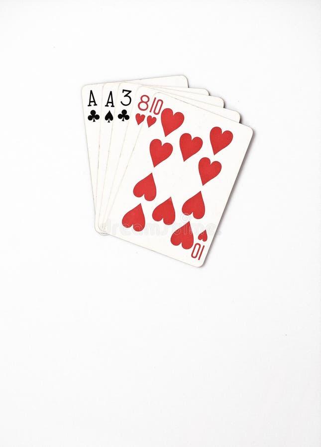 Χέρι πόκερ που ταξινομεί, καθορισμένες κάρτες παιχνιδιού συμβόλων στη χαρτοπαικτική λέσχη: ένα ζευγάρι, άσσος, δύο, τρεις, οκτώ σ στοκ εικόνες