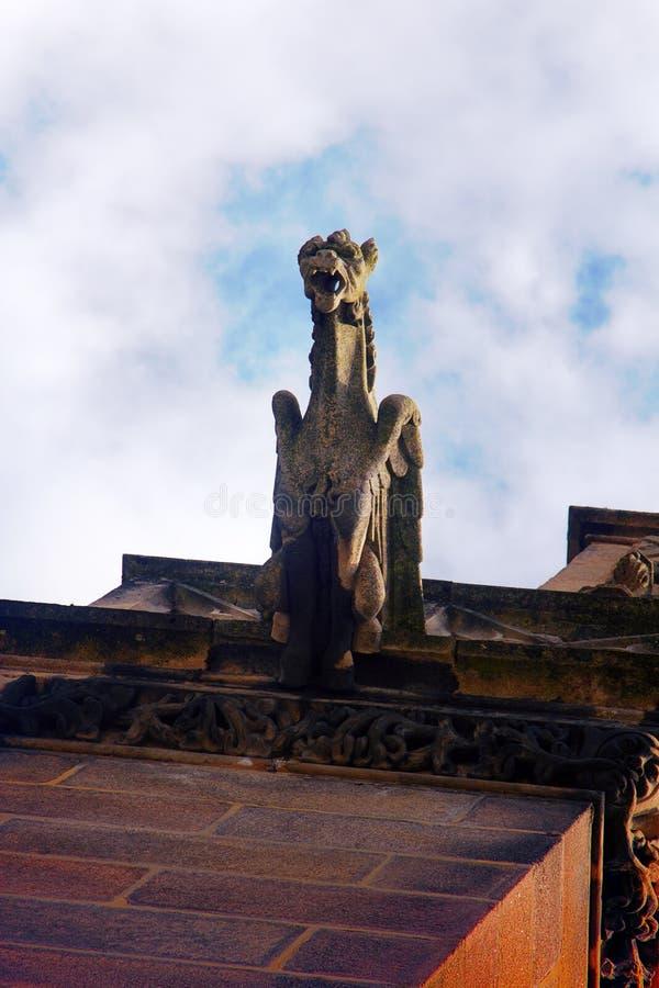Χίμαιρες, tarask, gargoyles στους μεσαιωνικούς ναούς της Γαλλίας στοκ φωτογραφία με δικαίωμα ελεύθερης χρήσης