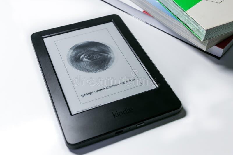 Χίλια εννιακόσια ογδόντα τέσσερα (1984) από την έκδοση του George Orwell EBook στο Κ στοκ φωτογραφίες με δικαίωμα ελεύθερης χρήσης