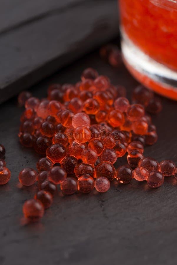 Χαβιάρι φραουλών, μοριακή γαστρονομία στοκ φωτογραφίες