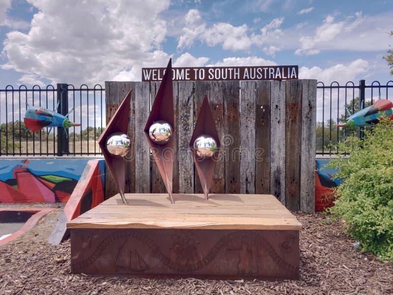 Χαιρετίστε στη Νότια Αυστραλία το έργο τέχνης στο σιδηροδρομικό σταθμό της Αδελαΐδα λιμένων, Νότια Αυστραλία στοκ φωτογραφία