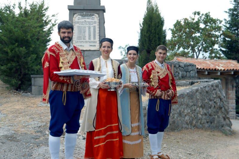 Χαιρετίστε στο Μαυροβούνιο το λαϊκό γεύμα βραδιού ύφους στοκ φωτογραφία με δικαίωμα ελεύθερης χρήσης