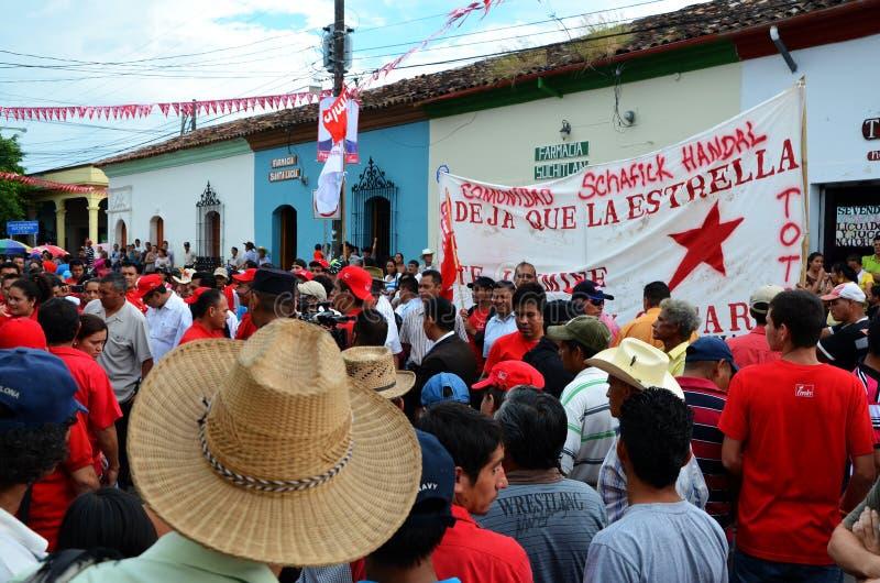Χαιρετώντας προεδρικός κομμουνιστικός υποψήφιος, Suchitoto στοκ εικόνα