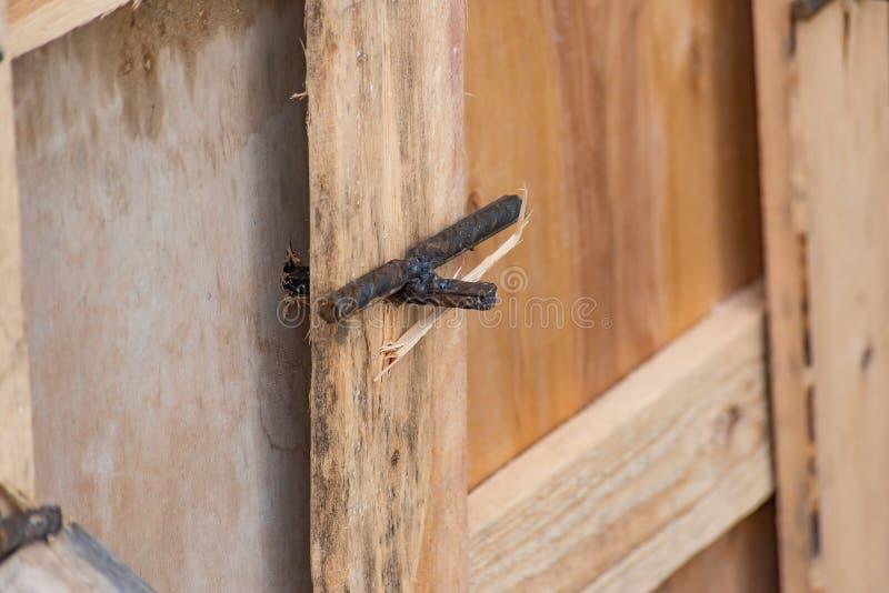 Χαλασμένο κιβώτιο των ξύλινων πινάκων στοκ εικόνες