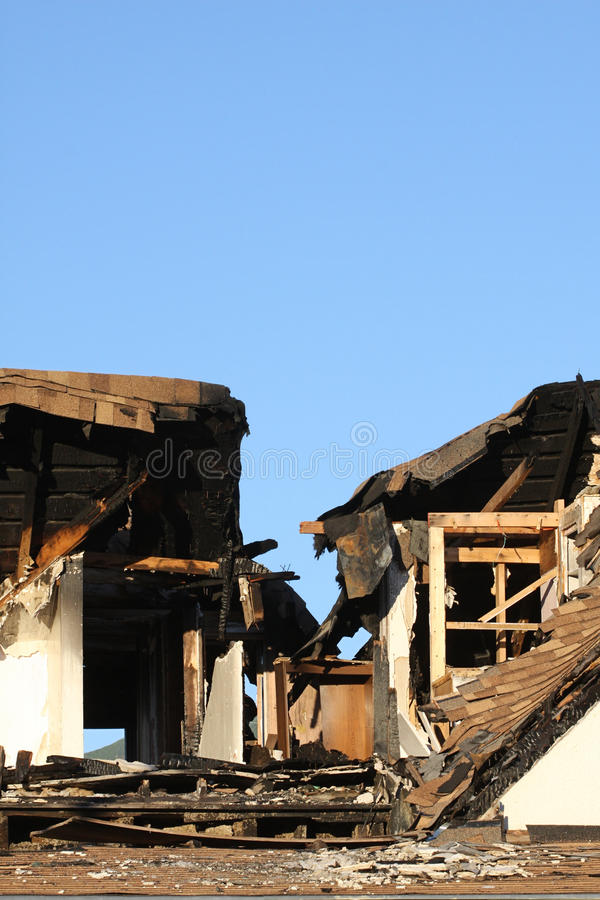 χαλασμένο σπίτι πυρκαγιάς στοκ φωτογραφίες με δικαίωμα ελεύθερης χρήσης
