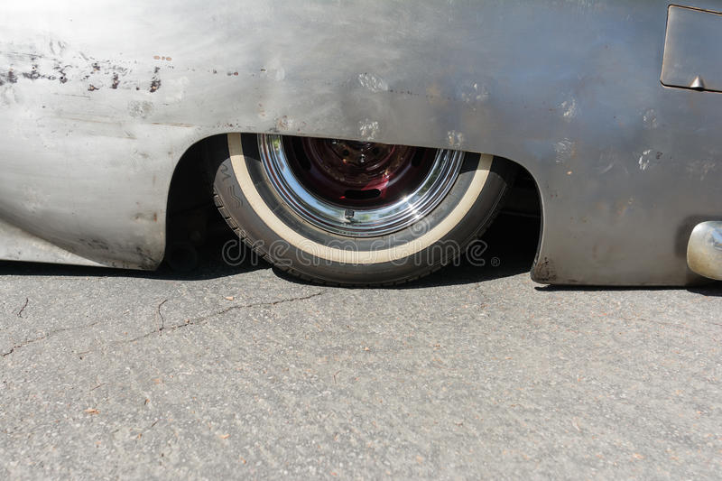 Χαμηλωμένη συνήθεια αναστολή αυτοκινήτων στοκ εικόνα με δικαίωμα ελεύθερης χρήσης