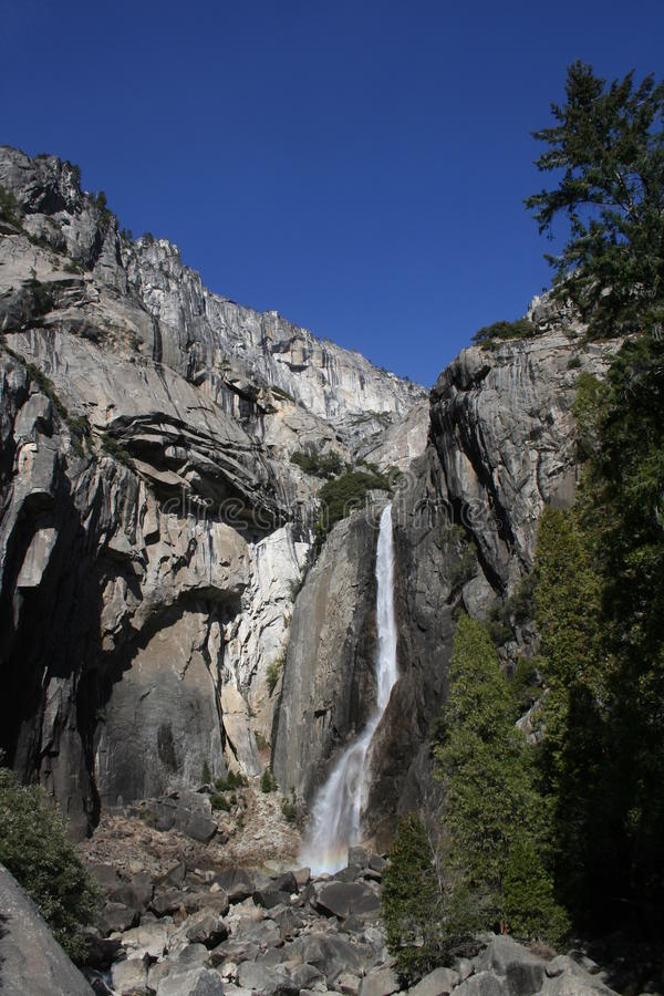 Χαμηλότερο εθνικό πάρκο Yosemite πτώσεων Yosemite στοκ φωτογραφία