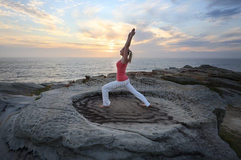 Χαμηλό lunge τεντωμάτων ικανότητας Pilates γιόγκας στοκ εικόνα