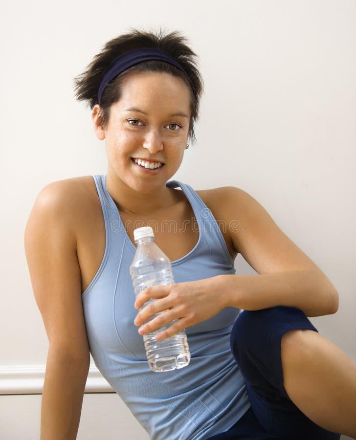 χαμογελώντας γυναίκα ικ στοκ φωτογραφία με δικαίωμα ελεύθερης χρήσης