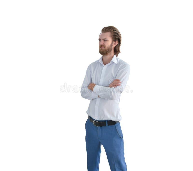Χαμογελώντας δυτικός επιχειρηματίας που διασχίζει τα όπλα του που απομονώνονται στο λευκό στοκ εικόνα