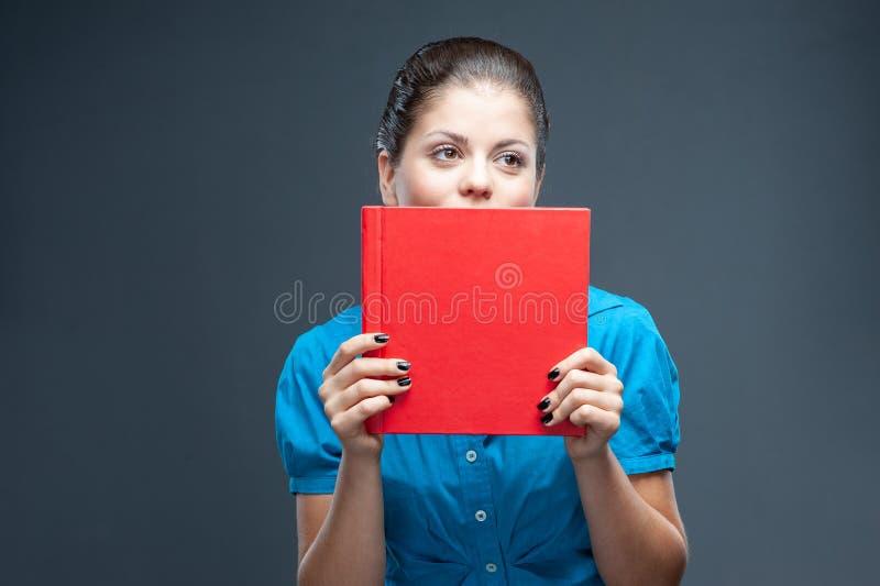 Χαμογελώντας σπουδαστής γυναικών, δάσκαλος ή επιχείρηση στοκ εικόνα