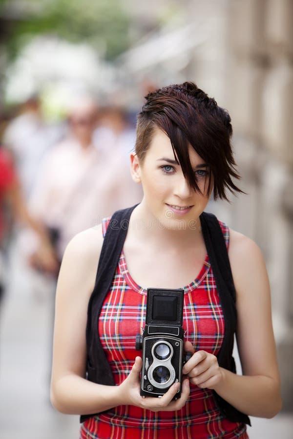 Χαμογελώντας φωτογράφος στοκ εικόνα με δικαίωμα ελεύθερης χρήσης