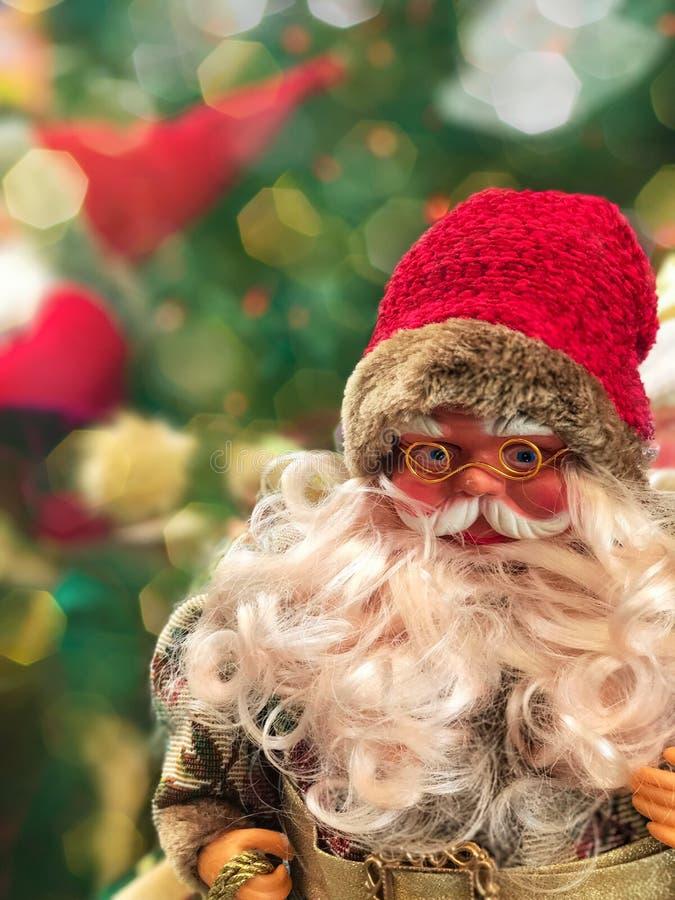Χαμογελώντας Άγιος Βασίλης στα γυαλιά στοκ εικόνα με δικαίωμα ελεύθερης χρήσης