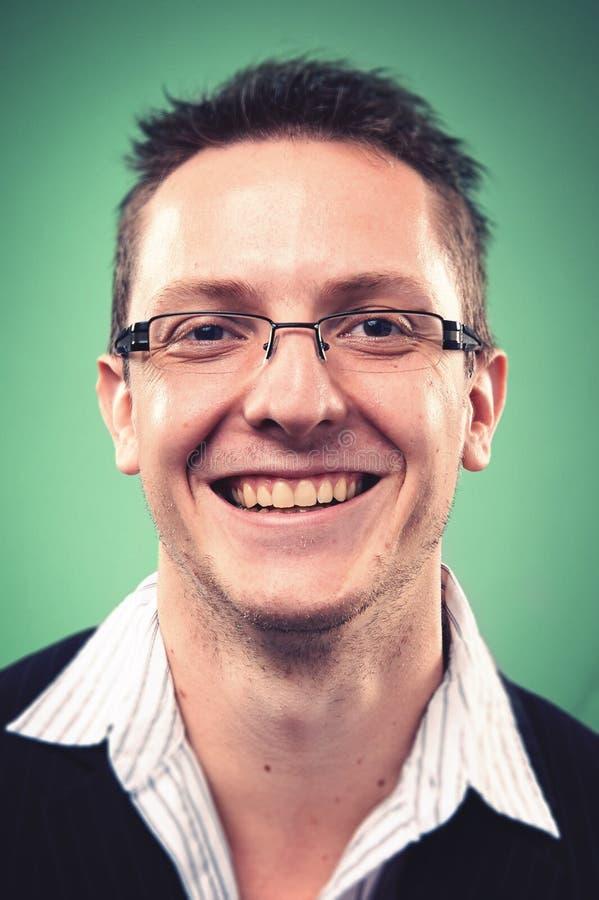 Χαμογελώντας άτομο πορτρέτου στοκ εικόνες