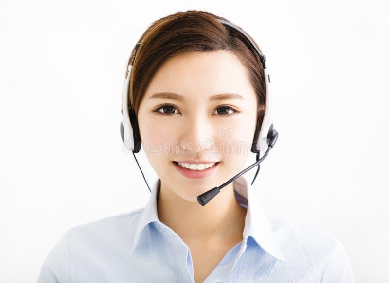 Χαμογελώντας επιχειρησιακή γυναίκα πρακτόρων με τις κάσκες στοκ εικόνες