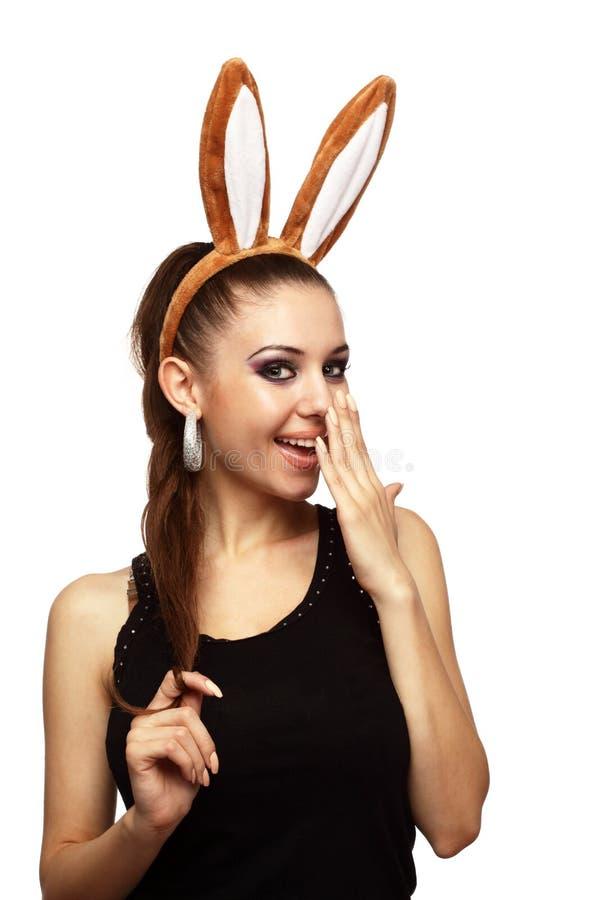 Χαμογελώντας κορίτσι με bunny τα αυτιά στοκ εικόνες