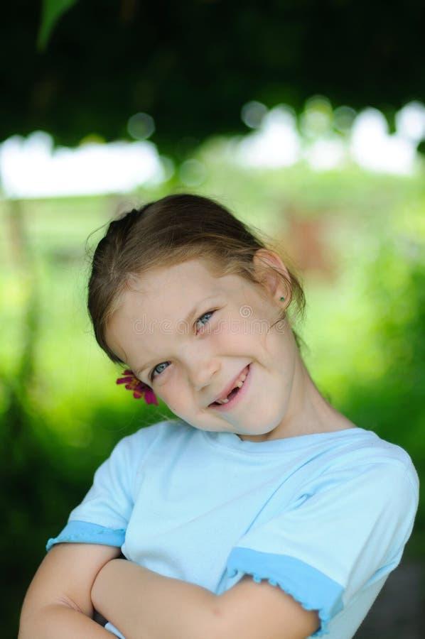Χαμογελώντας κορίτσι στοκ εικόνα με δικαίωμα ελεύθερης χρήσης