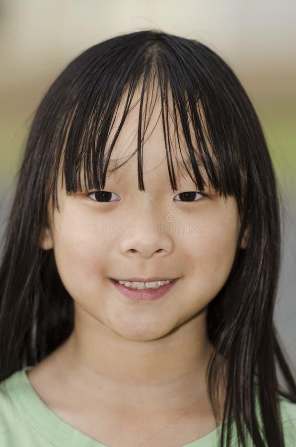 Χαμογελώντας κορίτσι στοκ εικόνα