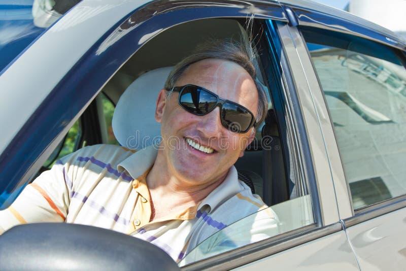 Χαμογελώντας οδηγός στοκ φωτογραφίες