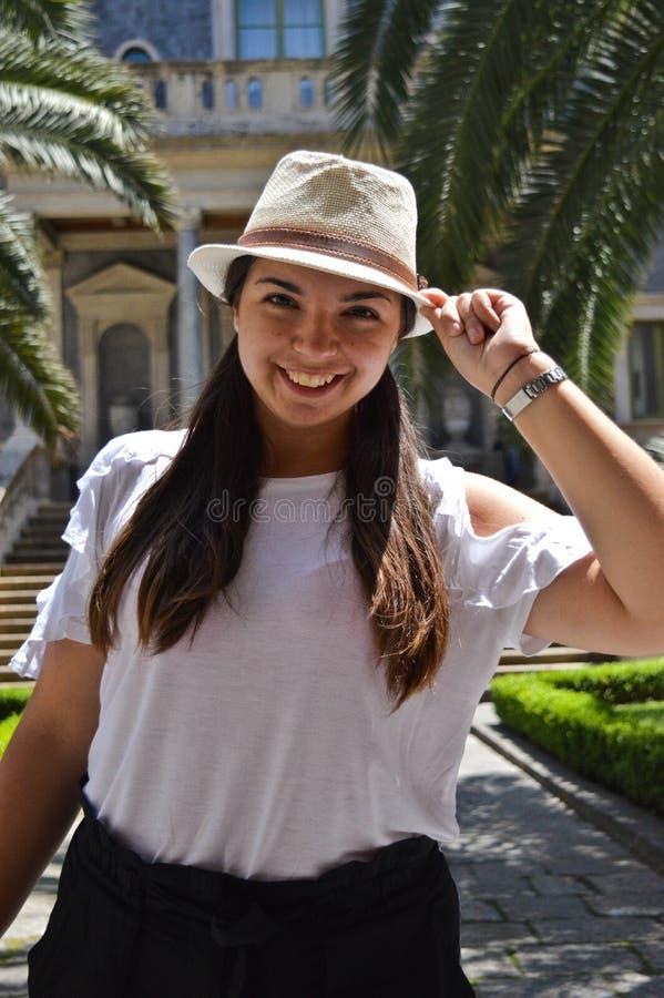 Χαμόγελο, εάν απολαμβάνετε τις καλοκαιρινές διακοπές σας στην Κατάνια στοκ φωτογραφία με δικαίωμα ελεύθερης χρήσης