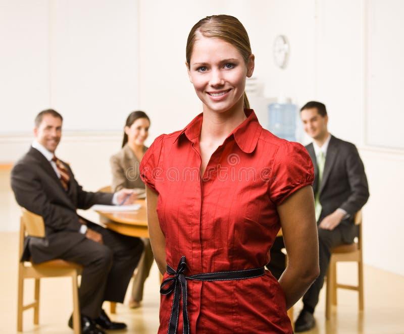 Download χαμόγελο επιχειρηματιών στοκ εικόνες. εικόνα από εκτελεστικός - 17052932