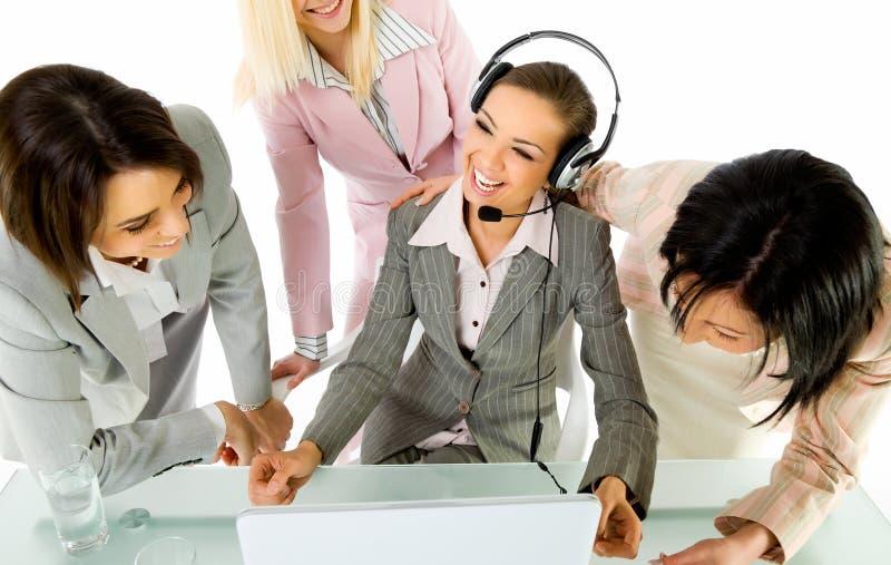 Download χαμόγελο επιχειρηματιών στοκ εικόνα. εικόνα από κάσκα - 17054963