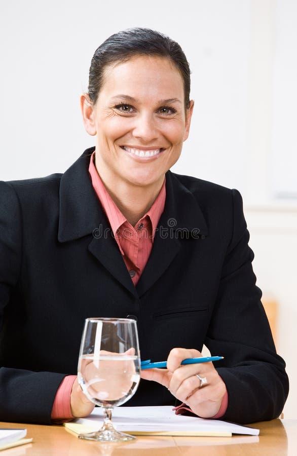 Download χαμόγελο επιχειρηματιών στοκ εικόνα. εικόνα από επιχειρηματίας - 17056037