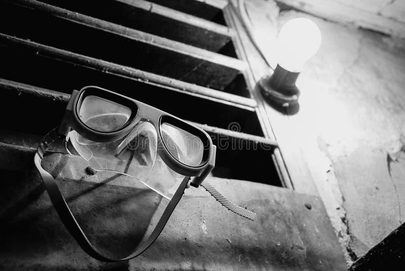 Χαμόγελο και φω'τα μασκών κατάδυσης στοκ φωτογραφία